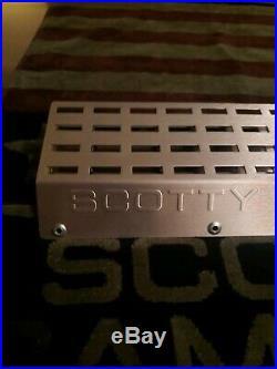 Brand New Titleist Scotty Cameron 48 Holder Pivot Divot Tool Display Rack