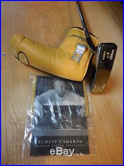 Scotty Cameron Circa 62 Model 2, 35 RH Putter. Leather gip, head cover + tool
