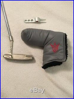 Scotty Cameron Pro Platinum Newport Mid Slant + HC and Scotty Cameron divot tool