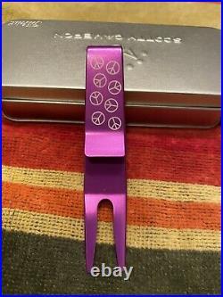 Scotty Cameron Purple Dancing Peace Signs Clip Pivot Tool Titleist Divot New